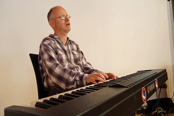 Marcel Brugger am Klavier